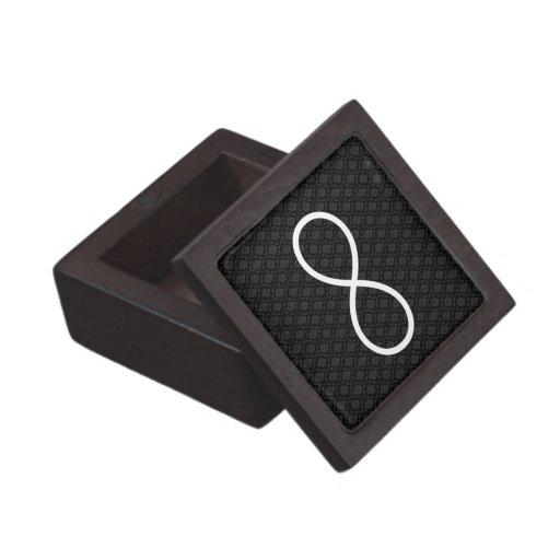 Símbolo del infinito en fondo negro de los damasco caja de joyas de calidad