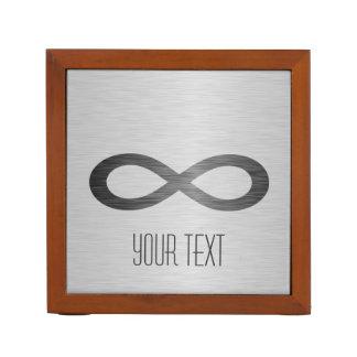 Símbolo del infinito en textura cepillada del meta