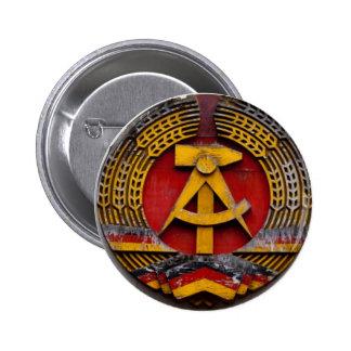 Símbolo del martillo y de la hoz del comunista pins