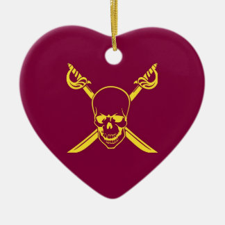 Símbolo del pirata adorno de cerámica en forma de corazón