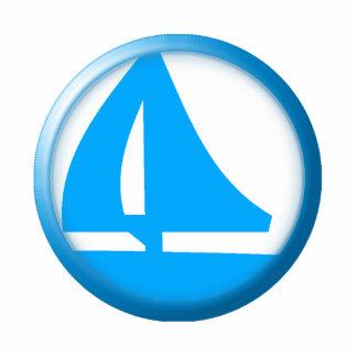 Símbolo del puerto deportivo - velero escultura fotográfica