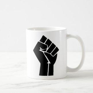 Símbolo del puño aumentado/del poder negro taza clásica