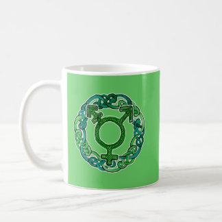 Símbolo del transexual de Knotwork del Celtic Taza