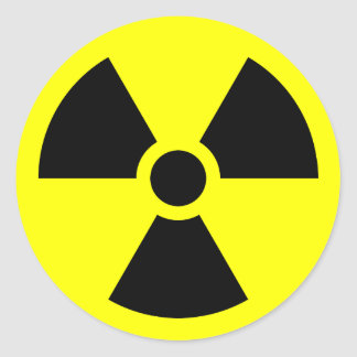 Símbolo del trébol de la radiación etiqueta redonda
