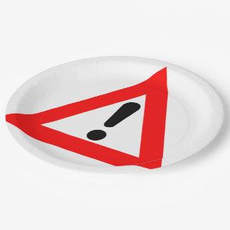 Símbolo del triángulo de la atención plato de papel de 9 pulgadas