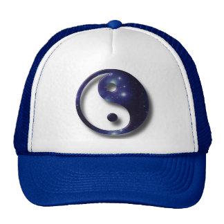 Símbolo del universo de Yin y de Yang Gorro De Camionero
