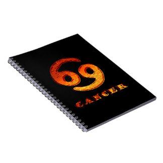Símbolo del zodiaco del cáncer libros de apuntes con espiral