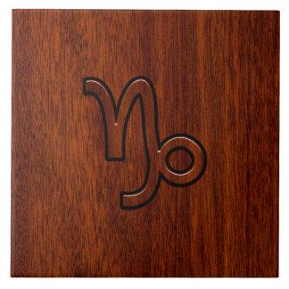 Símbolo del zodiaco del Capricornio en Brown de Azulejo Cuadrado Grande