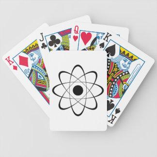 Símbolo estilizado del átomo baraja cartas de poker