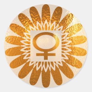 Símbolo femenino del icono: Energía de oro del Pegatina Redonda