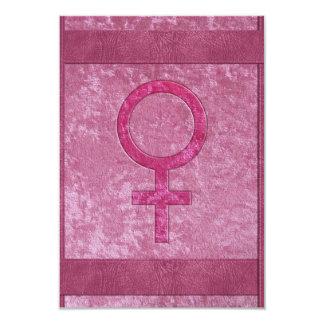 """Símbolo femenino rosado invitación 3.5"""" x 5"""""""