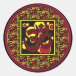 Símbolo hermoso w/Circles de OM Aum y cuadrados Etiqueta