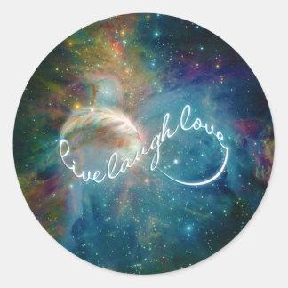 Símbolo impresionante del infinito del amor de la etiqueta redonda