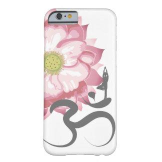Símbolo indio de OM del espiritual de Lotus de la Funda Barely There iPhone 6