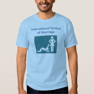 Símbolo internacional de la camiseta de la boda remera