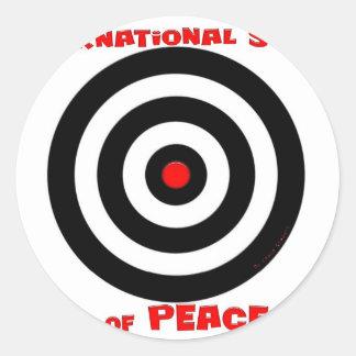Símbolo internacional de la paz - paz en la tierra pegatina redonda