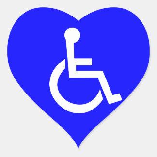 Símbolo internacional del acceso pegatina en forma de corazón
