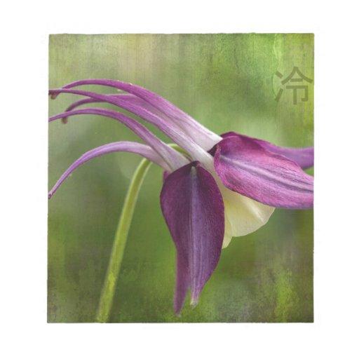 Símbolo japonés de la serenidad y flor de Columbin Bloc De Papel