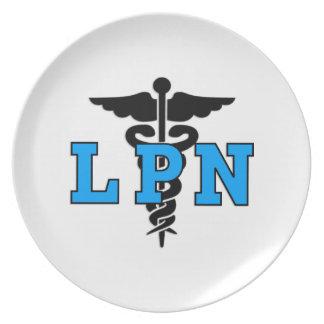 Símbolo médico de la enfermera de LPN Plato Para Fiesta