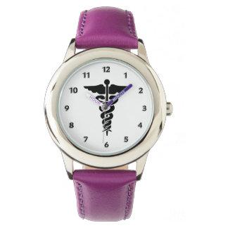 Símbolo médico de las enfermeras reloj