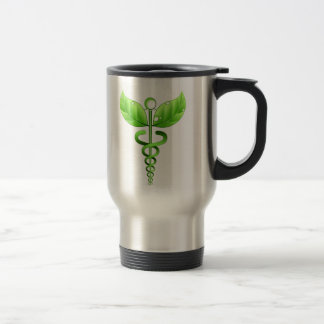 Símbolo médico verde de la medicina alternativa taza de viaje