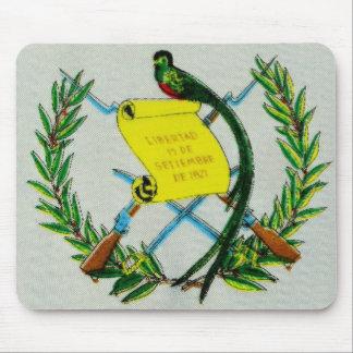 Símbolo nacional guatemalteco con el quetzal alfombrillas de raton