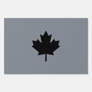 Símbolo negro canadiense de la hoja de arce señales