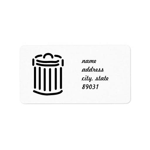 Símbolo negro del bote de basura etiqueta de dirección