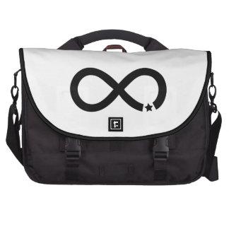 Símbolo negro del infinito con la estrella bolsas de portátil