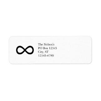 Símbolo negro del infinito etiqueta de remite