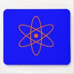 Símbolo nuclear azul y anaranjado alfombrilla de ratón