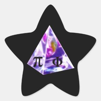 Símbolo pi de la pirámide y la ración de oro pegatina en forma de estrella