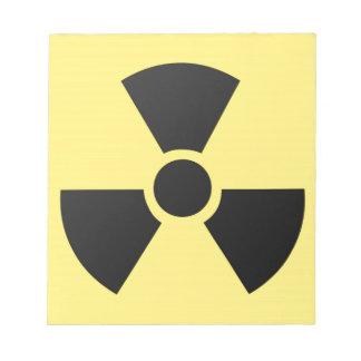 Símbolo radiactivo libreta para notas