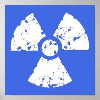 Símbolo radiactivo del azul real póster