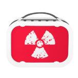 Símbolo radiactivo tóxico rojo del escarlata