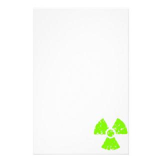 Símbolo radiactivo verde chartreuse, de neón papelería