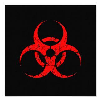Símbolo rojo rasguñado del Biohazard en negro Anuncio