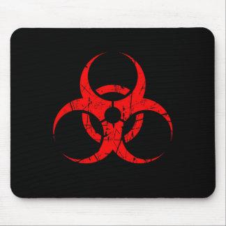 Símbolo rojo rasguñado del Biohazard en negro Alfombrilla De Ratón