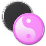 Símbolo rosado de Yin-Yang Imanes De Nevera