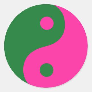 Símbolo rosado y verde de Yin Yang Etiquetas Redondas