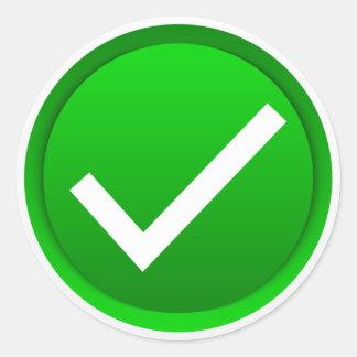 Símbolo verde de la marca de verificación pegatina redonda