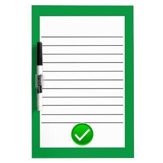 Símbolo verde de la marca de verificación pizarras blancas