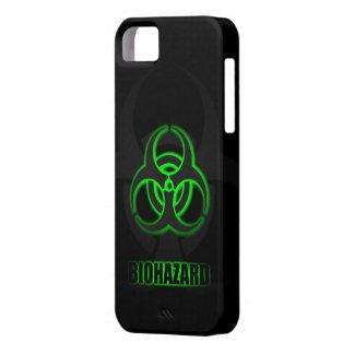Símbolo verde del Biohazard que brilla iPhone 5 Fundas