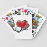 Símbolo y estetoscopio del corazón cartas de juego