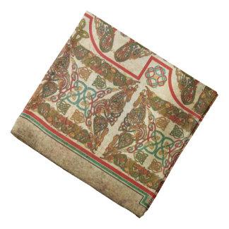 Símbolos célticos en el papel viejo bandana