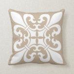 Símbolos de la flor de lis en blanco en moreno cojines