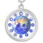 Símbolos de la paz y de la unidad en todo el mundo colgante personalizado
