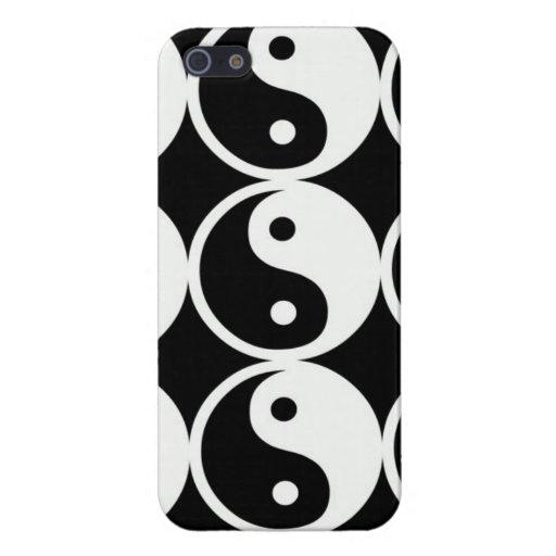 Símbolos de Yin-Yang en blanco y negro. iPhone 5 Funda