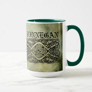 símbolos sagrados del apellido irlandés céltico taza