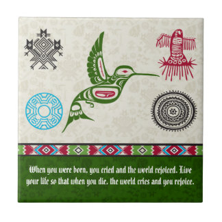 Símbolos y sabiduría - colibrí del nativo azulejo cuadrado pequeño